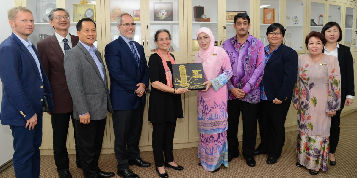 Visit by US Ambassador to Malaysia, Her Excellency Kamala Shirin Lakhdhir to Menara Tun Mustapha | 5 April 2017
